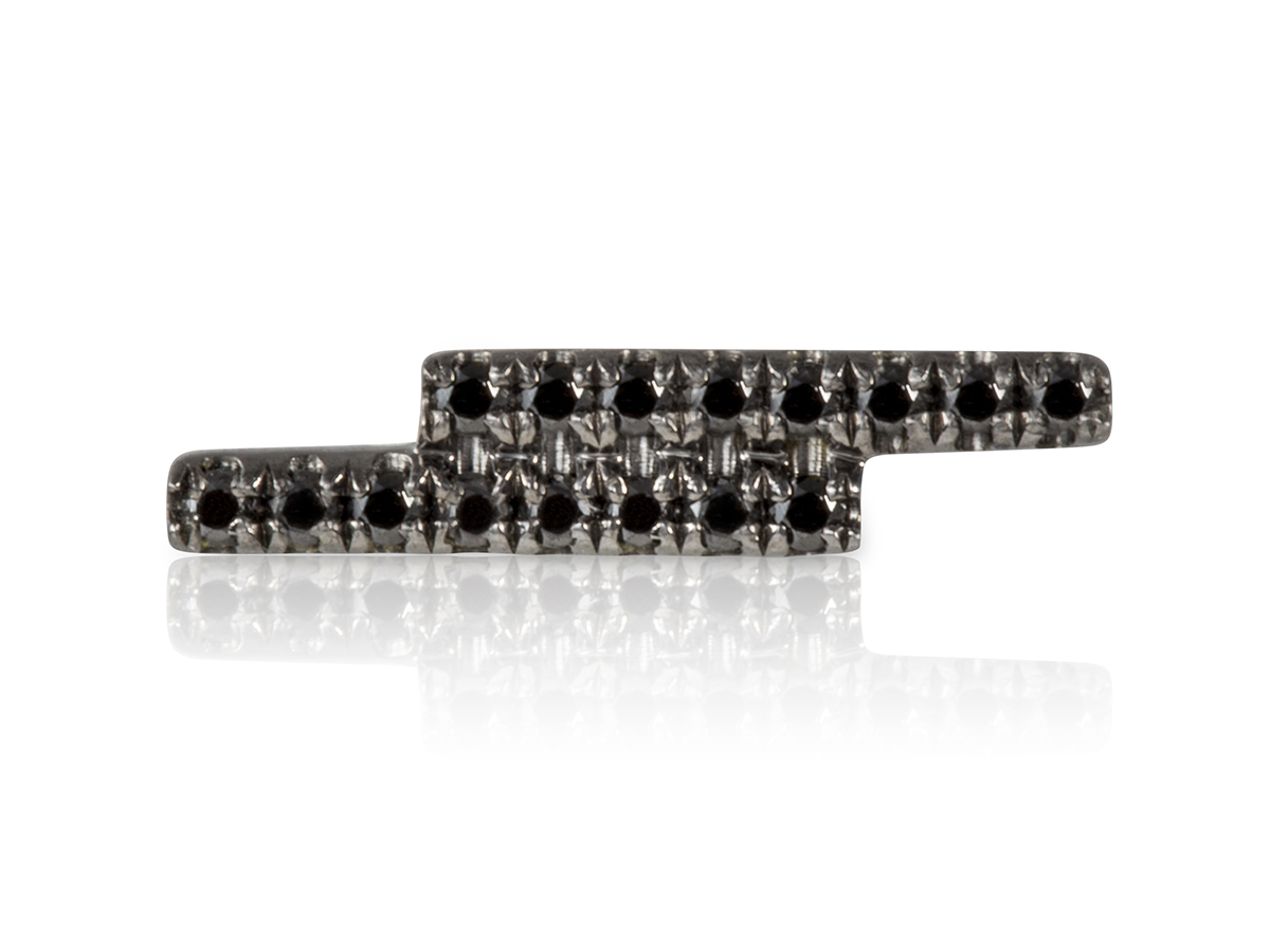 Stud-Earring-Storm-Black-and-Black-1